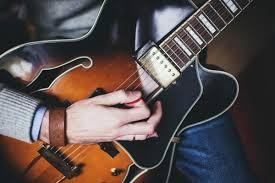 ギターを弾く時間が少ない方へ。ギターが上手くなる2つの考え方!