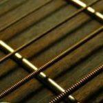 弦の交換頻度は?古い弦はギターの寿命を減らす。