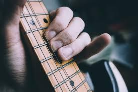 ギターが上手くなる2つの習慣。上手くなる速さが全く違う!