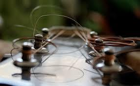 ギターの弦は定期的に張り替えよう!ギターのメンテナンス!