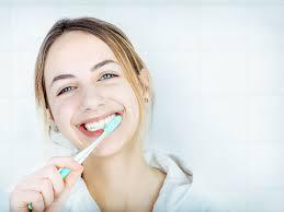 口臭、歯の黄ばみが気になるならこれだ!歯が綺麗だと清潔に見える!